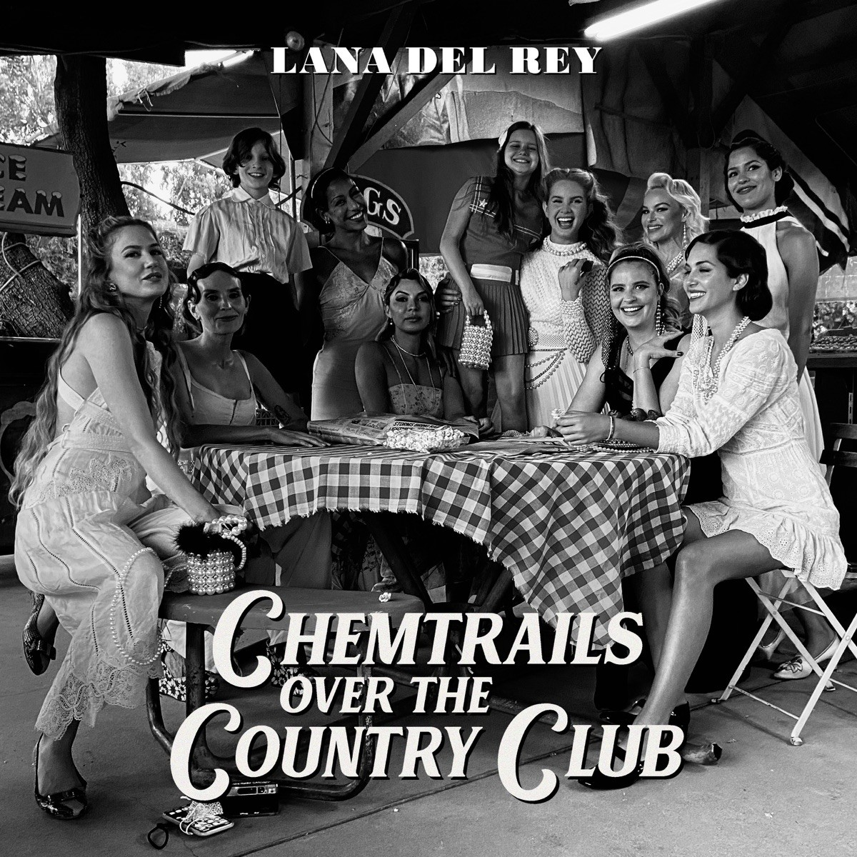 Lana Del Rey - Chemtrails Over The Country Club VINYL - 0602435497808
