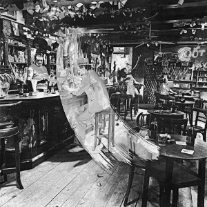 Led Zeppelin - In Through the Out Door (Deluxe Edition) CD - 8122795579