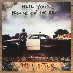 Neil Young & Promise of the Real - The Visitor CD - 9362490886